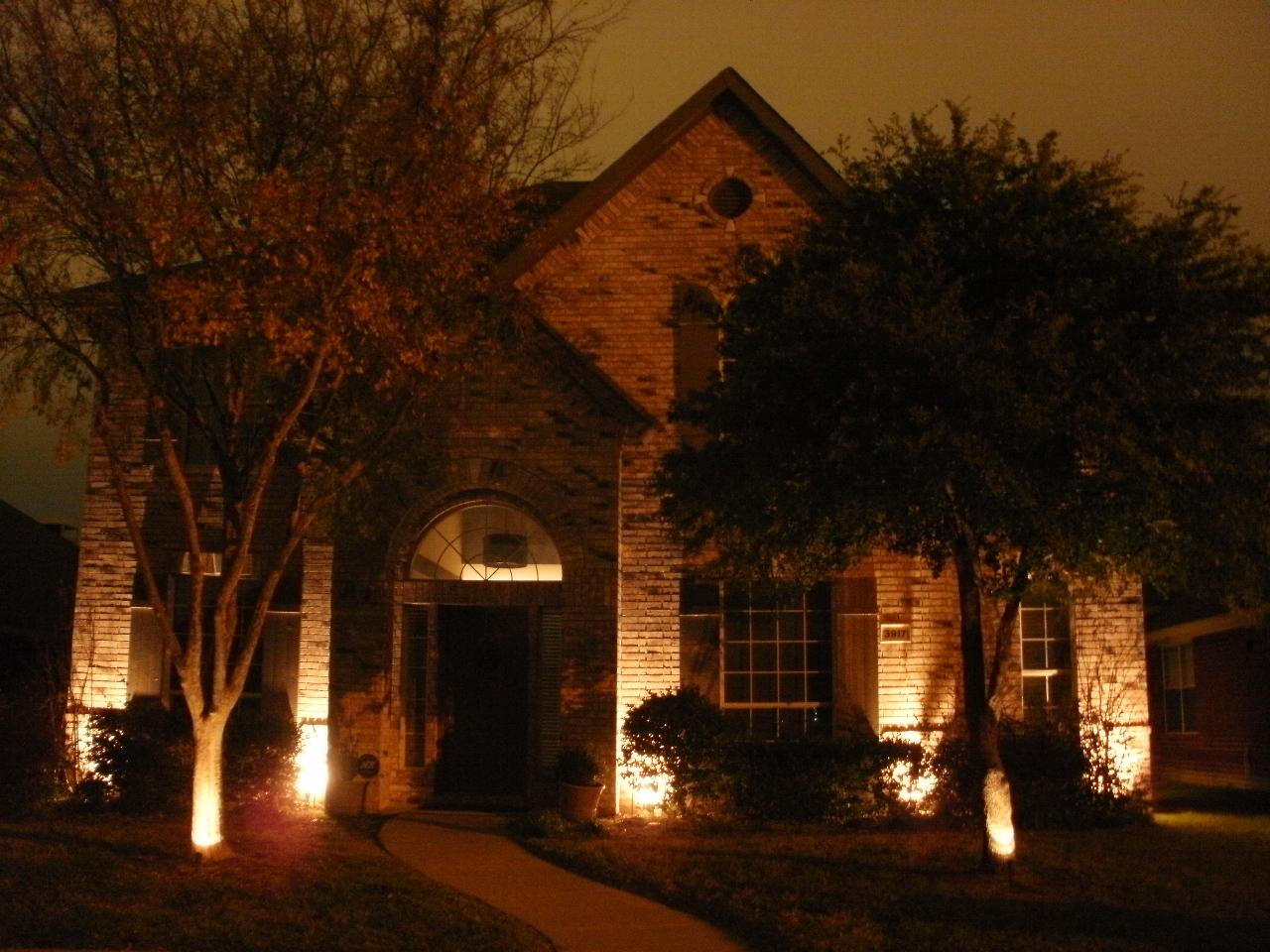 Photo Gallery | Metroplex Landscape Lighting
